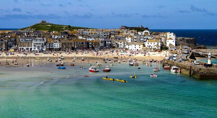 Late holiday deals england cornwall