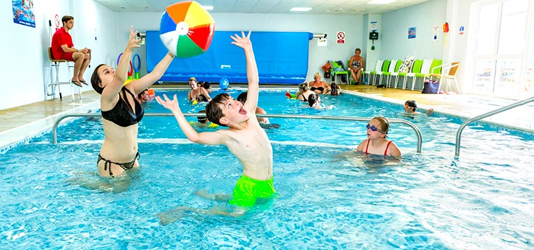 park-holidays-swimming-pools